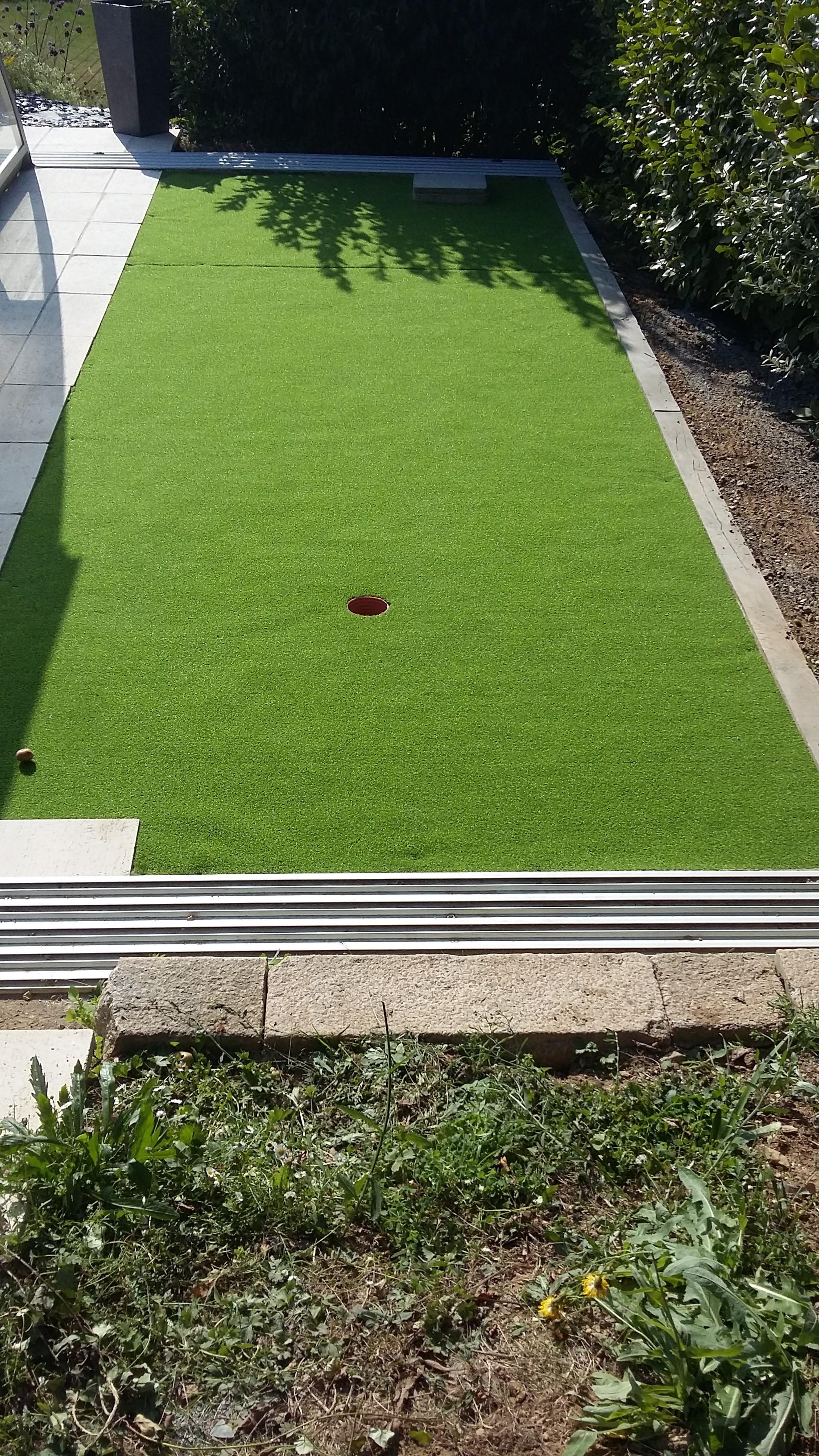 pelouse semi synthtique gazon artificiel images une nouvelle pelouse au top niveau europen. Black Bedroom Furniture Sets. Home Design Ideas